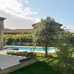 detached-villas-with-private-pool-and-garden-in-istanbul-007.jpg