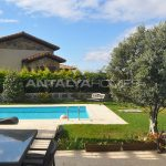 detached-villas-with-private-pool-and-garden-in-istanbul-008.jpg