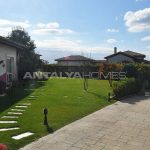 detached-villas-with-private-pool-and-garden-in-istanbul-012.jpg