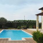 detached-villas-with-private-pool-and-garden-in-istanbul-018.jpg