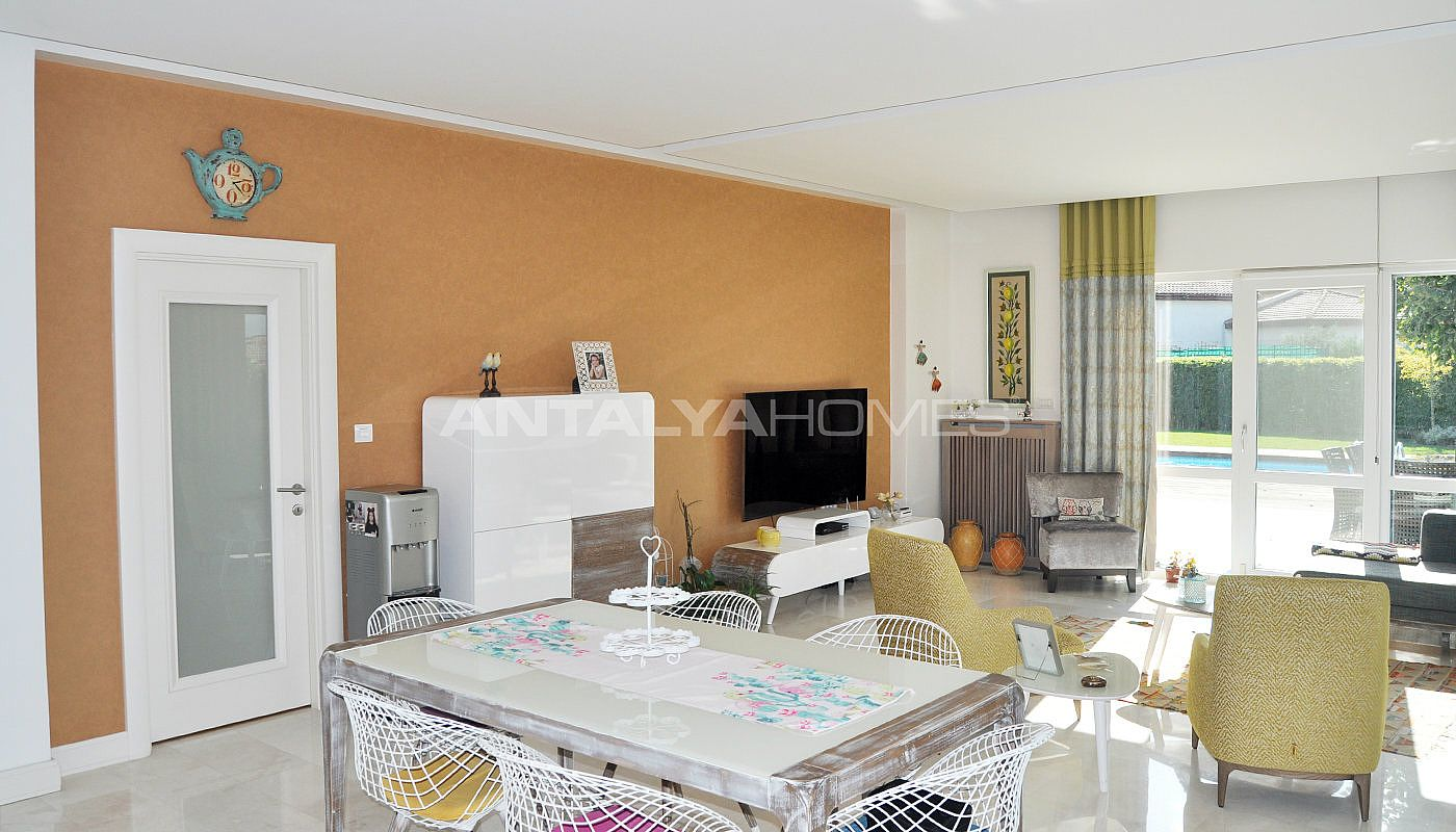 detached-villas-with-private-pool-and-garden-in-istanbul-interior-012.jpg