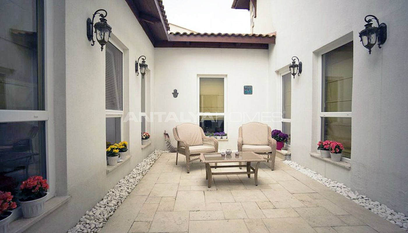 detached-villas-with-private-pool-and-garden-in-istanbul-interior-018.jpg