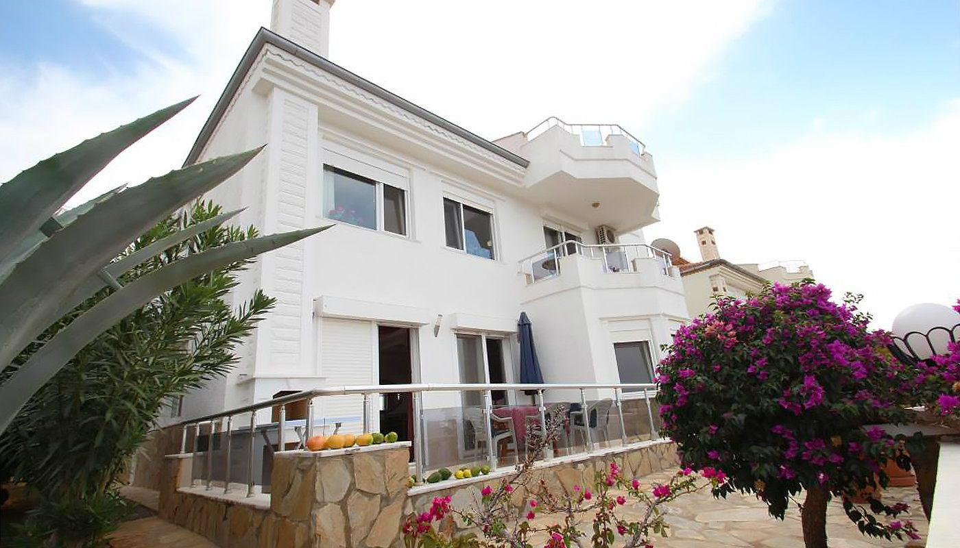 duplex-villas-overlooking-the-sea-in-kargicak-alanya-main.jpg