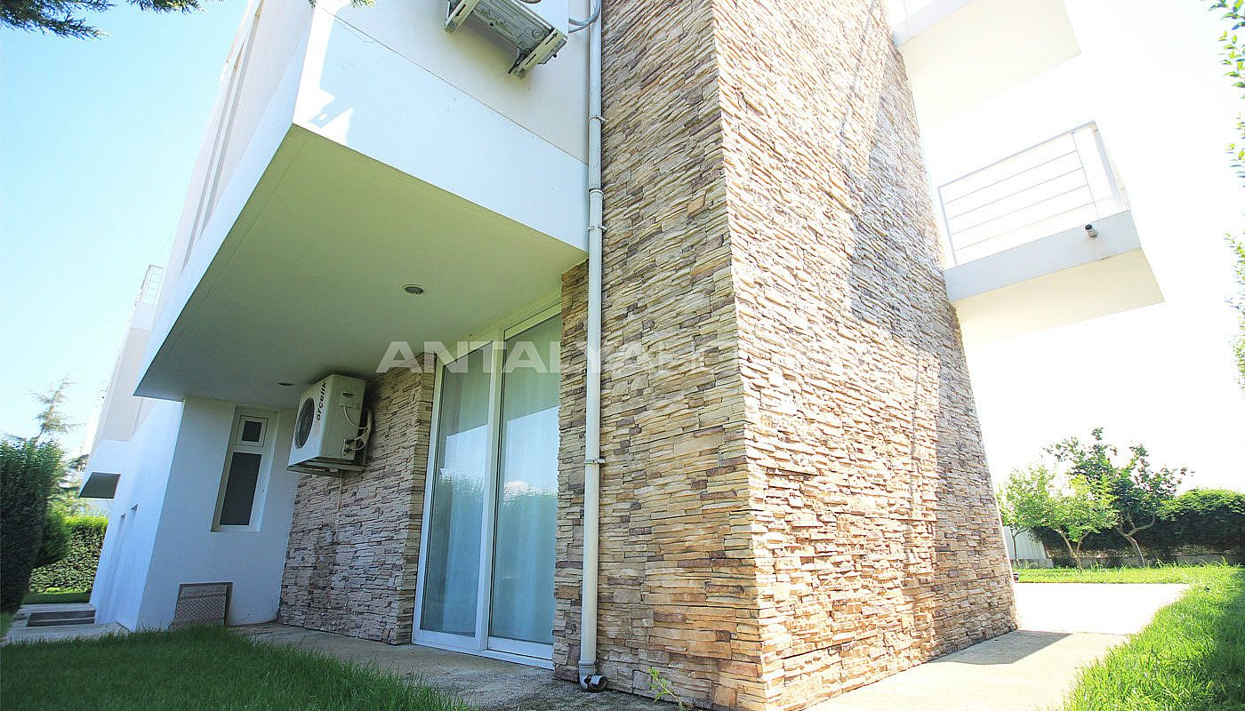 furnished-villa-for-sale-in-belek-in-the-complex-012.jpg