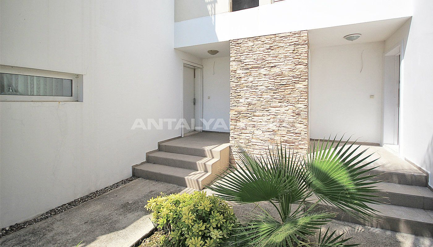 furnished-villa-for-sale-in-belek-in-the-complex-018.jpg