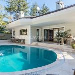 luxury-villa-with-private-pool-and-garden-in-istanbul-001.jpg