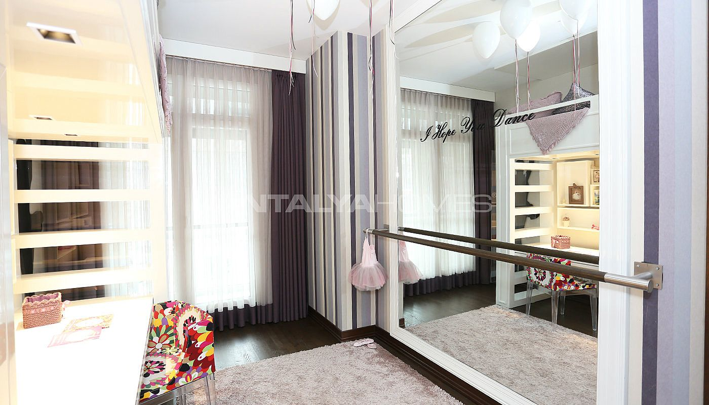 move-in-ready-awarded-property-in-istanbul-beyoglu-interior-014.jpg